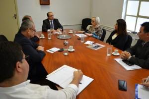 Secretária Arita disse no encontro que governo do Estado retomou a regularidade dos repasses mensais aos municípios - Foto: Ascom Sefaz