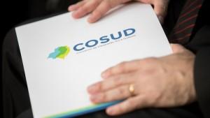 Primeiro encontro foi realizado em Belo Horizonte, na criação do Cosud, depois em São Paulo, no mês passado, e agora no RS - Foto: Governo do Estado de SP / Arquivo